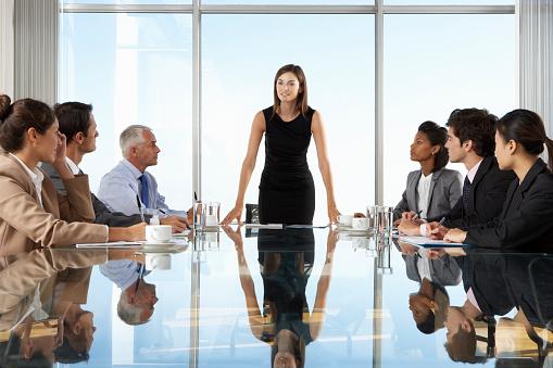 изпълнителен-директор-жена