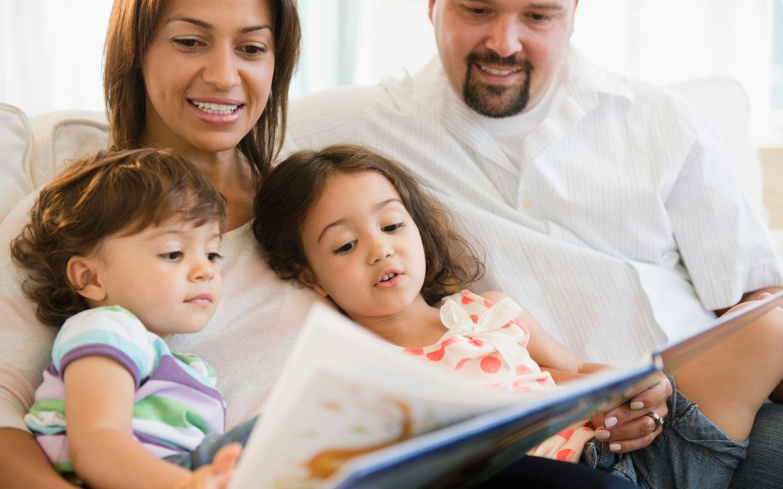 отглеждане-на-дете-стъпка-2-четене-на-книги