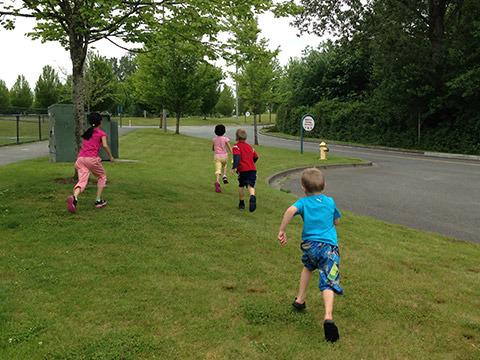 отглеждане-на-деца-стъпка-6-време-за-игра