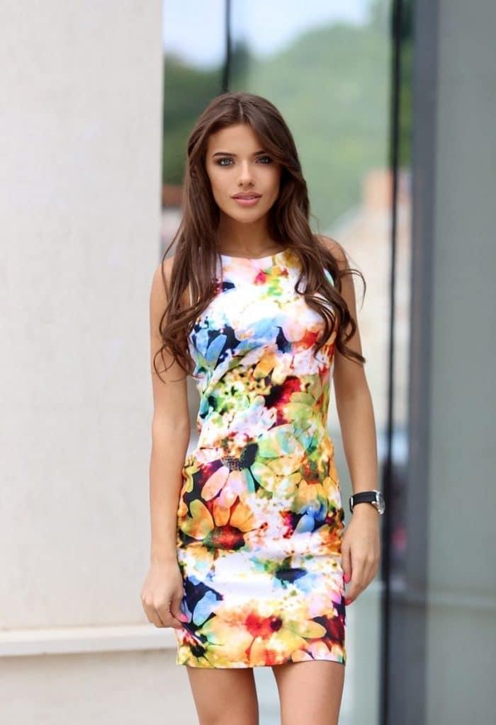 Стилна дамска рокля за лятото