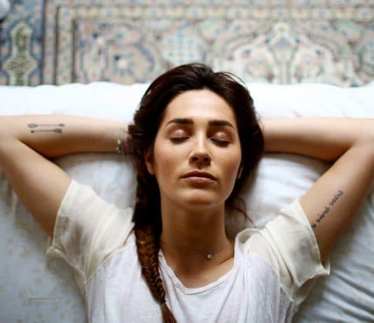 Как да заспим бързо за 30-60-секунди