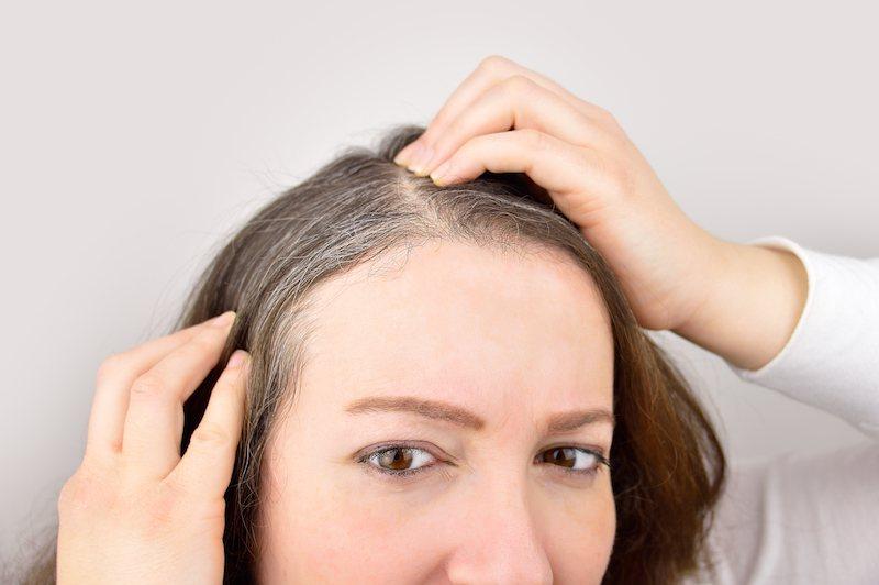 Сезонна загуба на коса: кога и защо се случва
